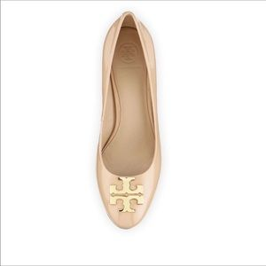 TORY BURCH    Raleigh tan patent leather flats 8.5
